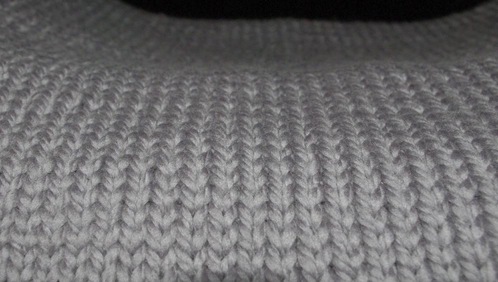 tricot un tour de cou ressemblant au kookai. Black Bedroom Furniture Sets. Home Design Ideas
