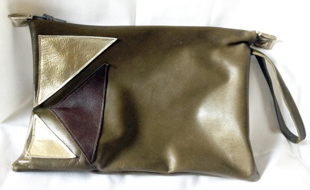 pochette en cuir triangle DIY